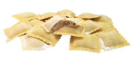 Ravioli con speck, rucola, patate